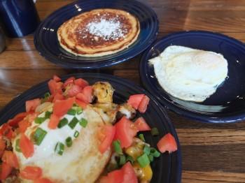 Harris Avenue Cafe Breakfast with Jenna