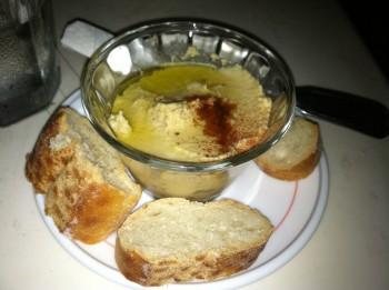 Hummus Con Pain