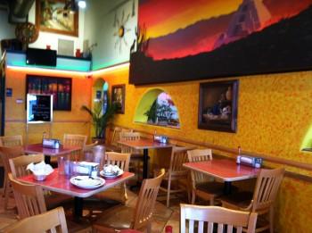 Taco Lobo Inside