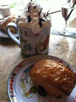 Caffe Hot Choc & Croissant