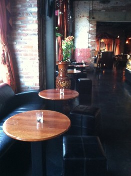 Indochine Tables