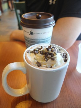 Caribou Coffee High Rise & Mint Condition