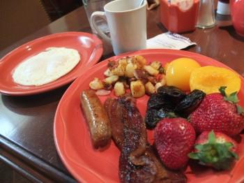 Columbia Grill & Bar Breakfast Buffet