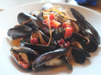 Fresh Bistro Moules Frites
