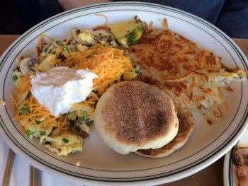 Queen Anne Cafe Omelet